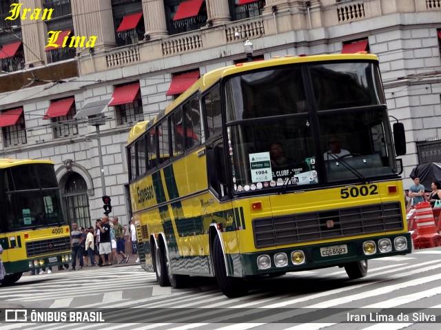 """Nielson Diplomata 380 nas cores da Expresso Brasileiro. Veículo emblemático por ter operado, durante muitos anos, o serviço """"Magnata"""" leito na linha Rio - São Paulo."""